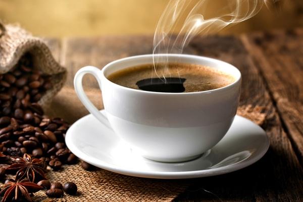Што ќе ви се случи ако пиете кафе пред јадење?