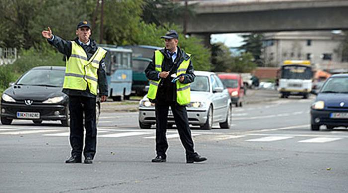 Од утре до недела во Скопје пренасочен сообраќај поради Задушница