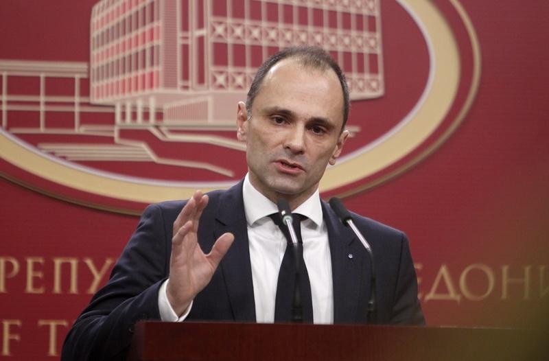 Откако фаворизираше фирми и веледрогерии, сега Филипче ќе нуди транспарентност во јавните набавки