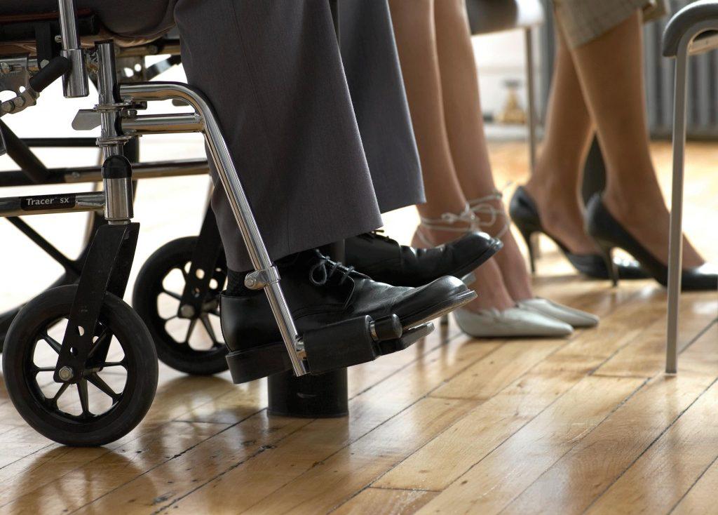 Без услови за слободно движење, се жалат и посочуваат лицата со попреченост!