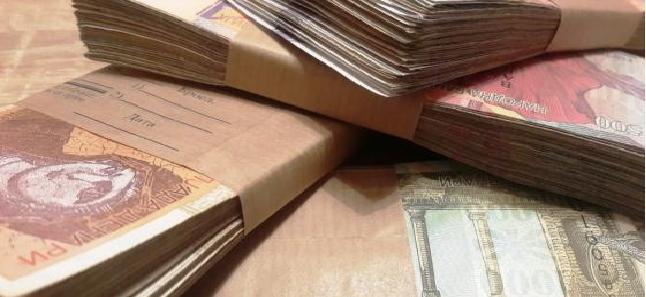 Без срам и перде – дел пратениците за 6 месеци од државниот буџет испумпале по 10.000 евра за патни трошоци