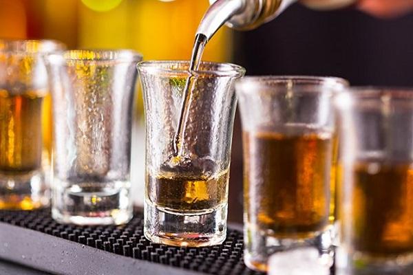 Постојат четири типови луѓе кои пијат алкохол: Во кога група сте вие?