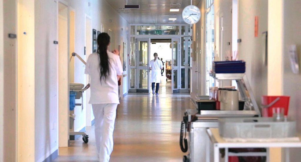 """Венко одливот на медицински сестри ќе го """"реши"""" со нови вработувања, поголеми плати. Само на кого, не кажува?!"""