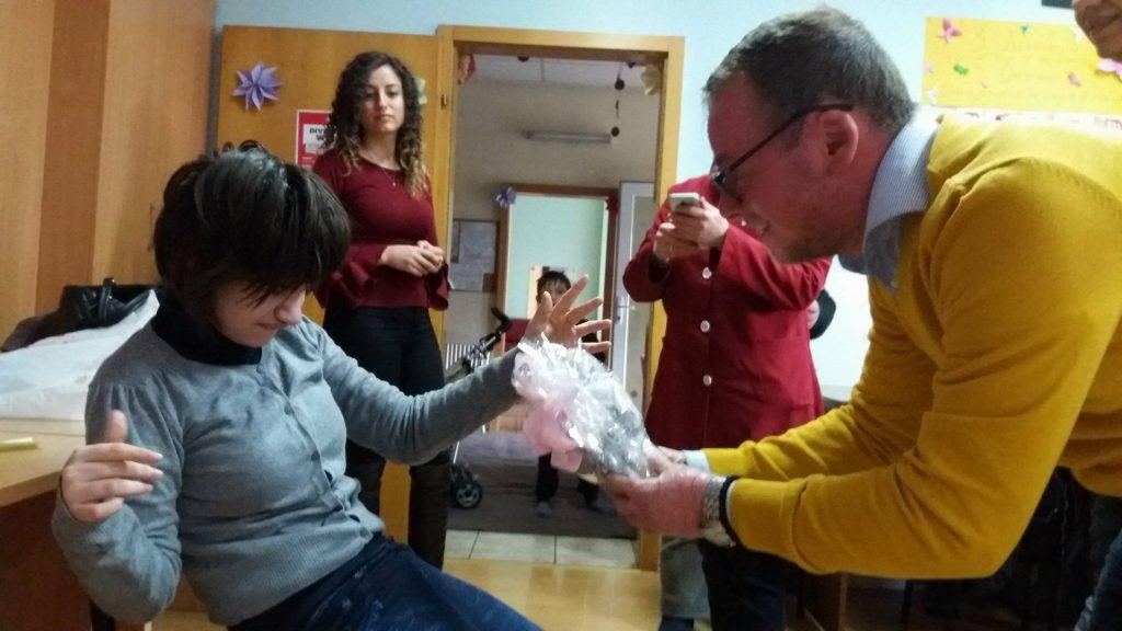Царовска: Кадарот во градинките треба да е пообразован. Таму е местото и на децата со посебни потреби!