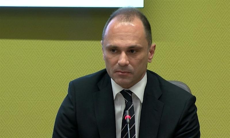 Николов до Филипче: Дали ти стиска Филипче, да се видиме на дебата?