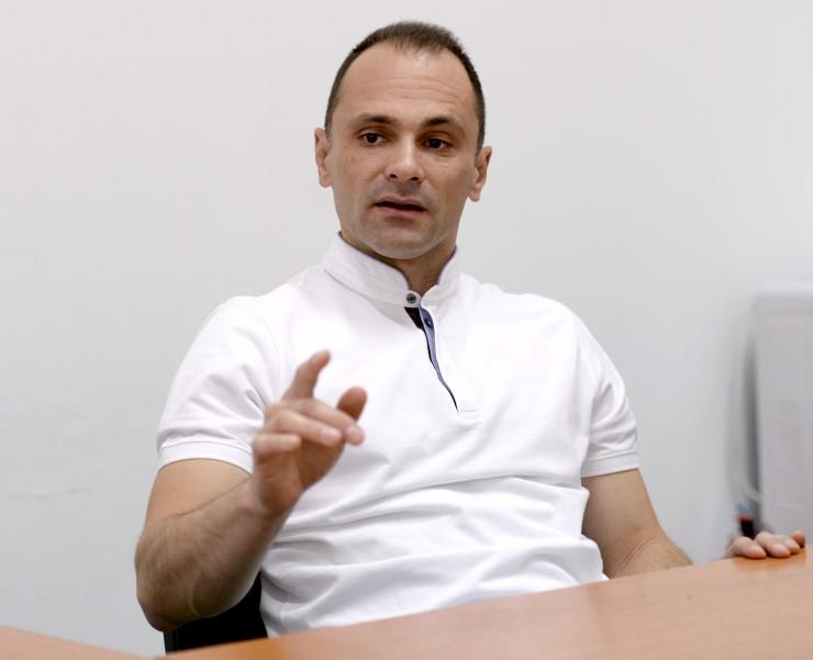 Филипче протестираше против насилство, ама колегите во Психијатрија во Демир Хисар ги остави без обезбедување
