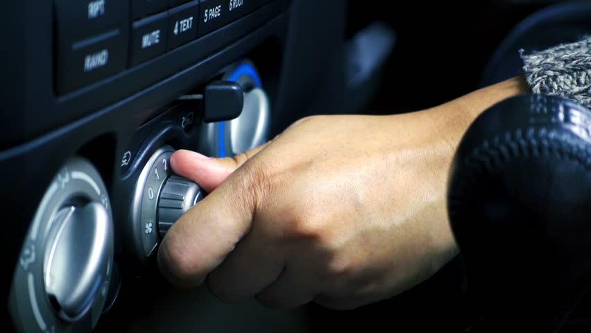 Слушање музика во автомобил го намалува стресот