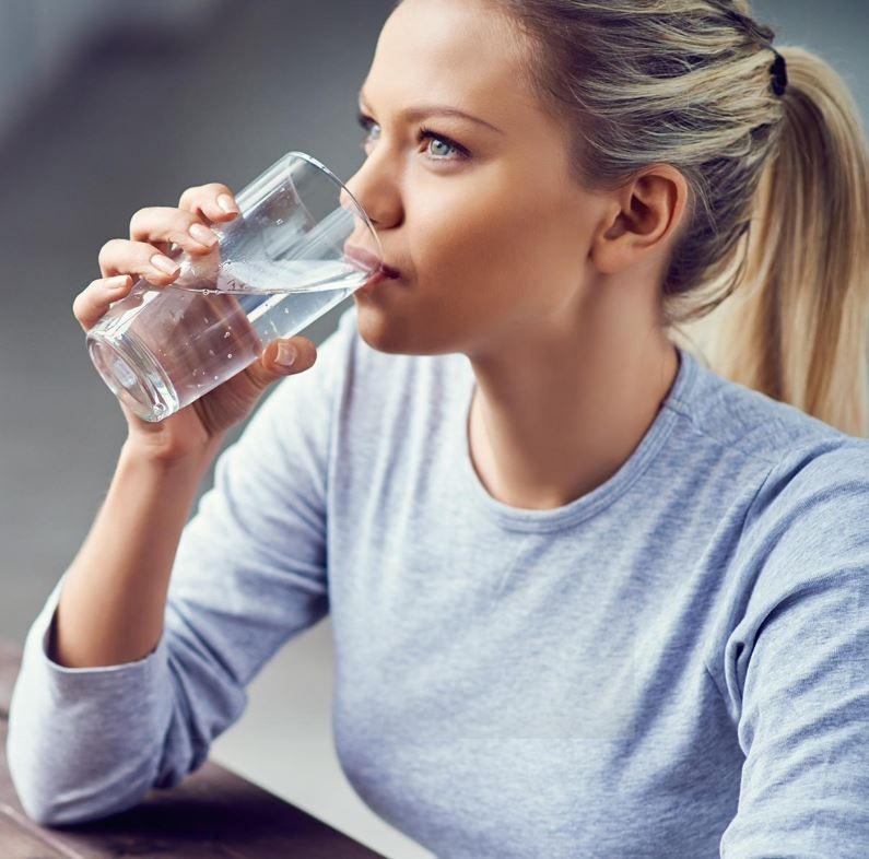 Кога треба да пиеме ладна, а кога топла вода: Разликата е огромна!