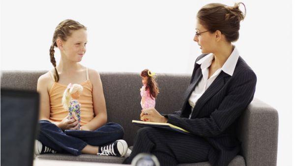 Психолозите предупредуваат, депресивните манифестации се почести кај децата