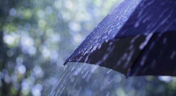 Дожд и снег, утре обилни врнежи – од недела пораст на температурата