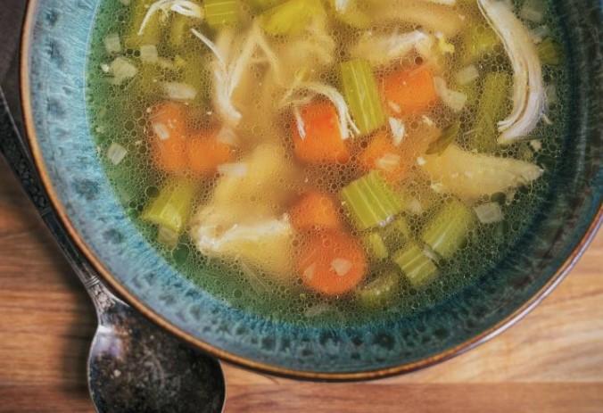 Пилешка супа за зајакнување на нашиот имунитет