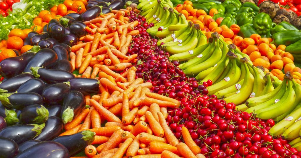 Според истражувањата, коронавирусот не останува ни во воздух, ни на овошје и зеленчук!