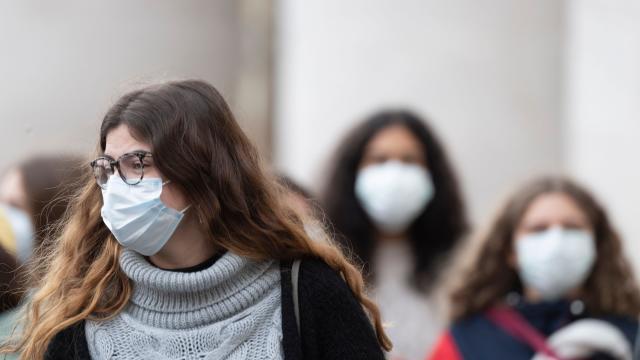 Излекуваните од Ковид-19 можат да останат носители на вирусот