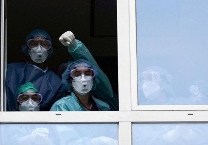 За 24 часа 15 лица се хоспитализирани поради компликации од Ковид-19, а 263 се лекуваат