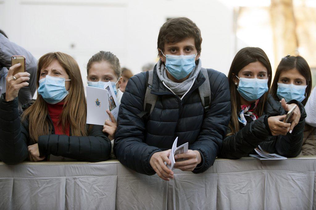 Помладите од 20 години се двојно помалку подложни на инфекција со Ковид-19
