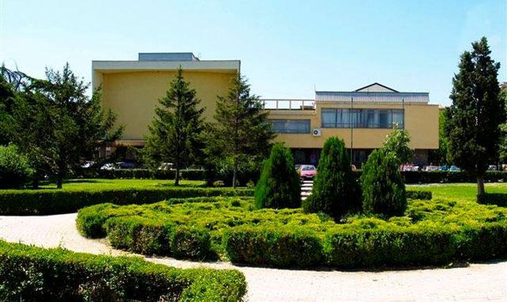 Дел од персоналот на Општина Велес и градската библиотека е во самоизолација, причина е близок заразен со Ковид-19