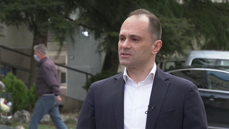 Филипче ја одби поканата на српската премиерка за вакцинација на здравствените работници од Македонија во Србија
