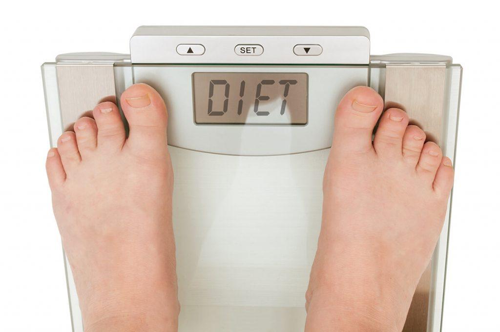Истражување: Големината на оброкот и брзината на јадење влијае на телесната тежина