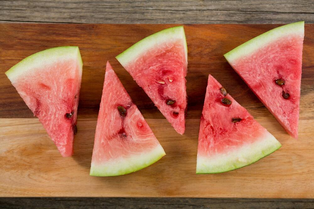 Семките од овошјето се многу корисни за нашето тело, не ги фрлајте