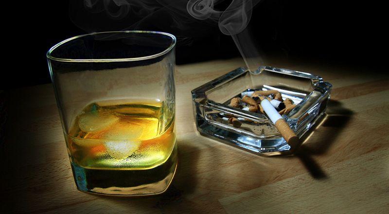Комбинацијата од цигари и алкохол е сериозна опасност по здравјето!