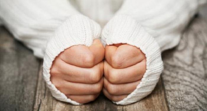 Што кажуваат ладните раце за вашето здравје?