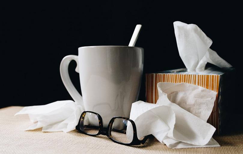 Во време на настинки и вирози: Како да не се заразите