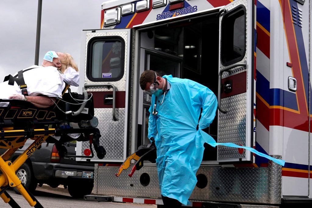 Нови 890 заболени и 35 починати од Ковид-19 денеска, тројца биле на возраст под 40 години